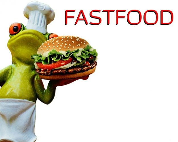 La consommation exagérée de fast food augmente les risques de connaître le cancer de la prostate.