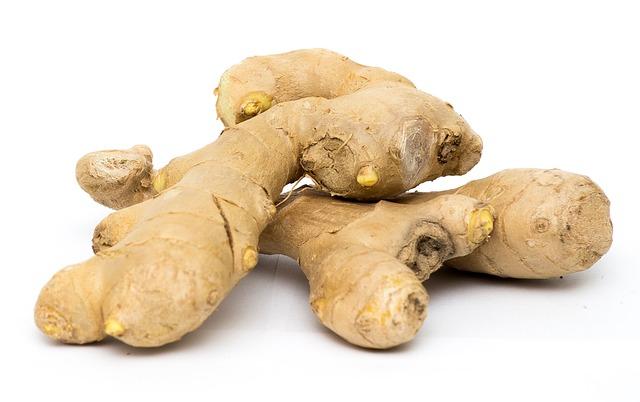 Trois racines de gingembre considérées comme aphrodisiaques
